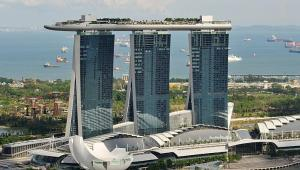 Marina-Bay-Sands-Casino-Resort-in-Daylight